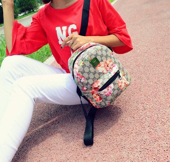 Городской рюкзак с цветочным принтом