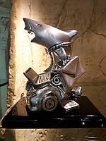 Статуэтка серебряная Акула бизнеса на подставке