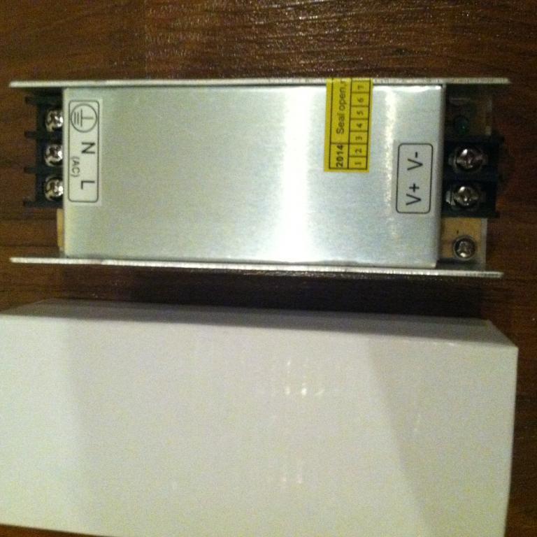 Блок питания адаптер 12В 5А 60Вт 12V 5A металл