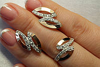 Ювелирные украшения - серебряное кольцо и серьги. Серебряные украшения с золотом.