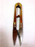 Ножницы для обрезки ниток.