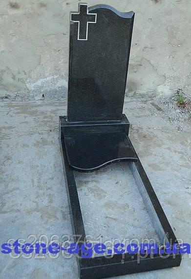 Памятник из гранита одиночный с крестом и художественной работой - STONE AGE в Житомирской области