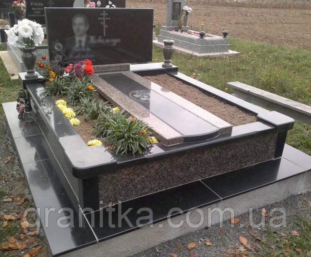 Памятник двойний плита коричнево-чорний граніт 30