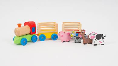 Деревянный паровозик с фигурками животных