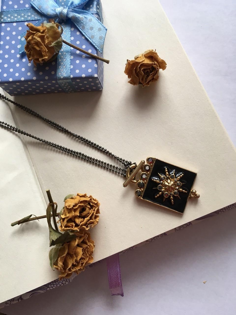 Цепочка с подвеской и кристаллами сваровски Pilgrim