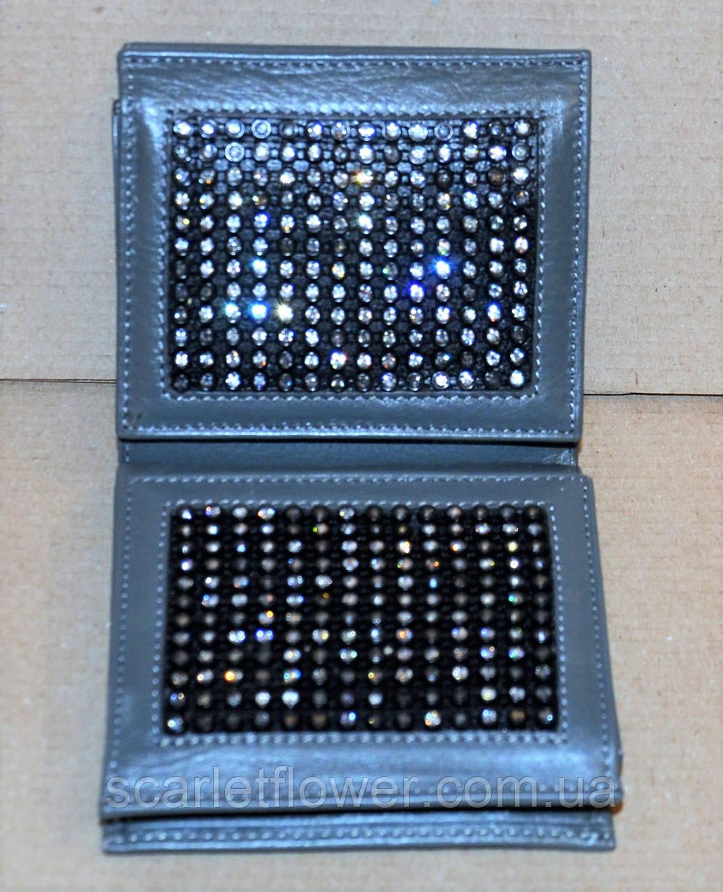 920b6cc74974 Кожаный кошелек BOND со стразами, складной. 425 грн. В наличии. Купить