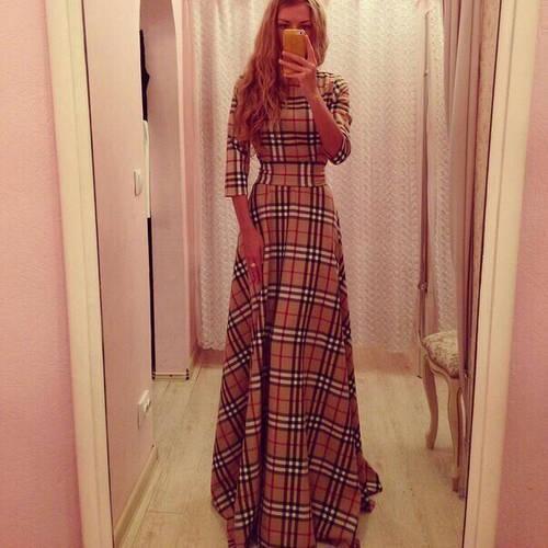 Красивое клетчатое платье в пол