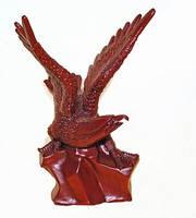 Фигурка красная. Полистоун. Орел огромный (63x43x33 см)