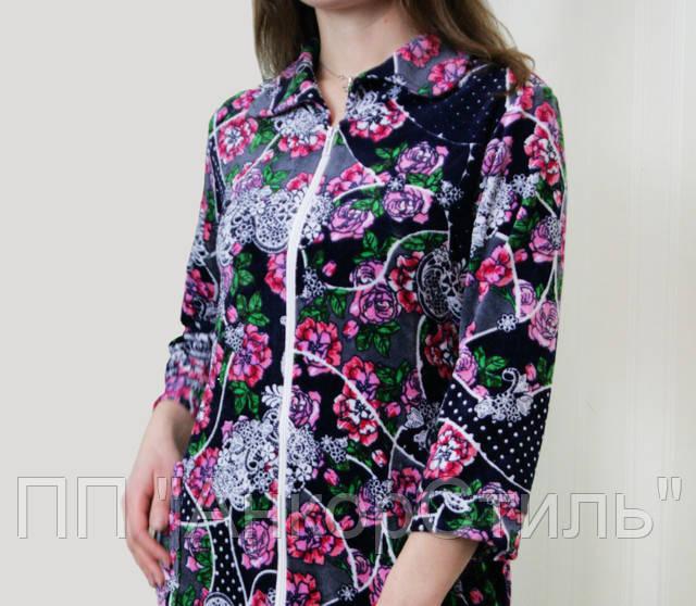 Женский велюровый халат с цветочным узором