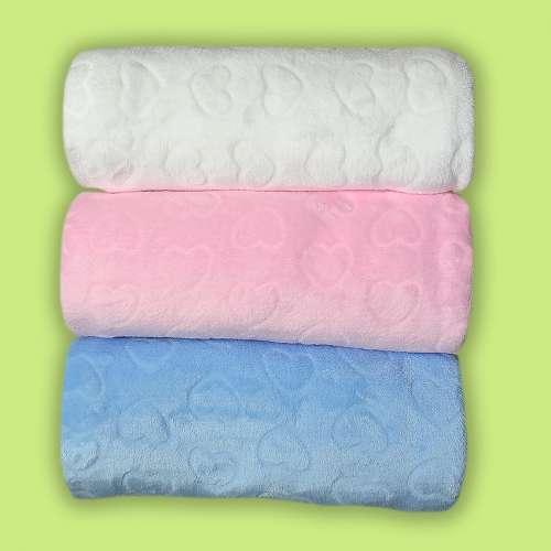 Пушистое одеяльце для малышей