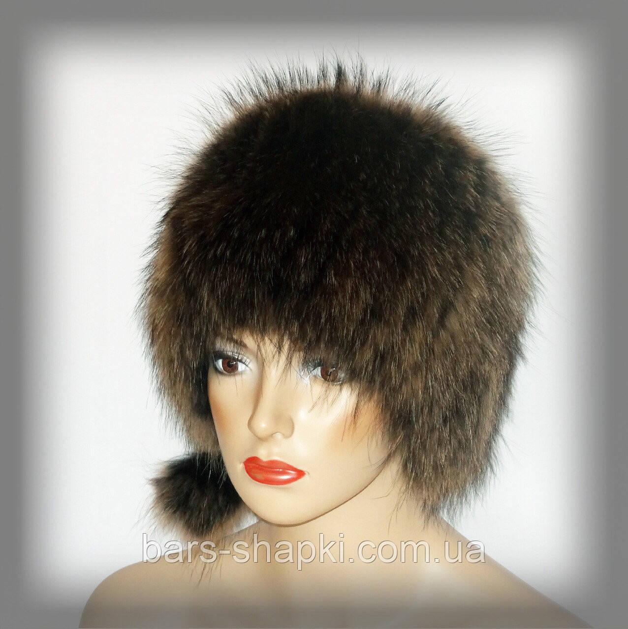 Женская меховая шапка из енота (кубанка)