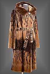 Длинная женская шуба из Бобрика с капюшоном и поясом