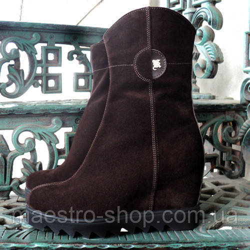 Черевики жіночі коричневі замшеві на платформі. Демисезон