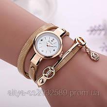 Женские часы - браслет с длинным ремешком в бежевом цвете