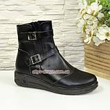 Жіночі демісезонні черевики на товстій підошві, декоровані ремінцями., фото 2