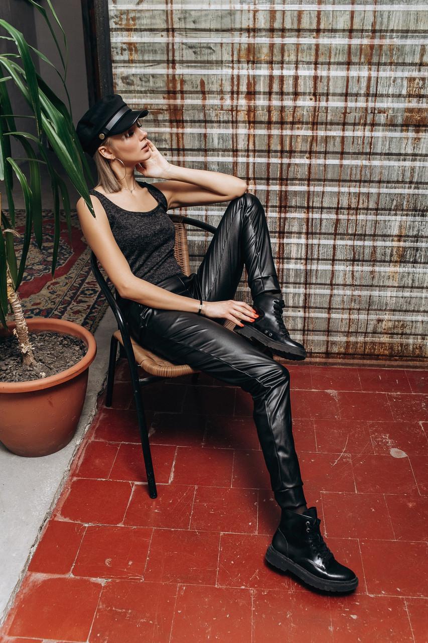 Женские брюки из экокожи на трикотажной основе