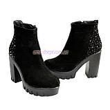 Демисезонные женские классические ботинки на высоком каблуке, из натуральной замши черного цвета, фото 6