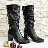 Демисезонные кожаные женские сапоги на невысоком устойчивом каблуке, фото 6