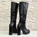 Жіночі демісезонні шкіряні чоботи на високих підборах, декоровані вставками з лакової шкіри і замші., фото 6