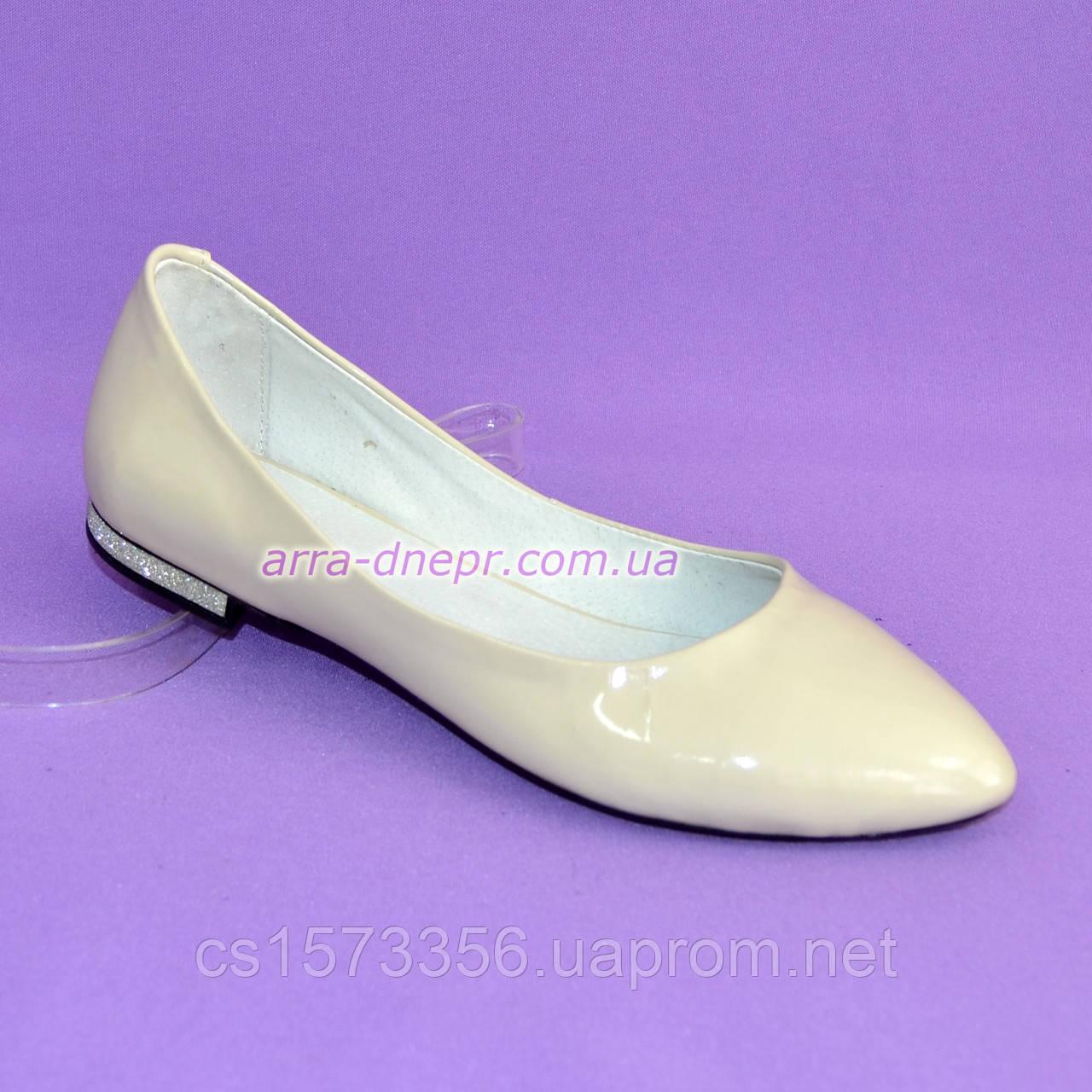 951a2f32a332 Женские туфли из натуральной лаковой кожи бежевого цвета. ТМ