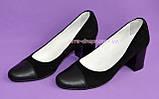 Женские черные туфли из натуральной замши и кожи, на невысоком устойчивом каблуке, фото 3