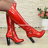 Высокие демисезонные лаковые сапоги на устойчивом каблуке, фото 2