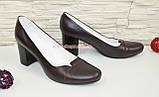 Туфли женские классические бордовые кожаные на невысоком каблуке, фото 2