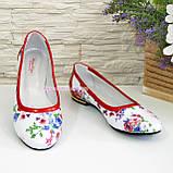 Женские кожаные стильные туфли, цвет красный/цветы, фото 2