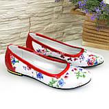 Женские кожаные стильные туфли, цвет красный/цветы, фото 4