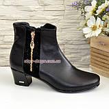 Женские ботинки на невысоком каблуке, из натуральной кожи и замши черного цвета, фото 2