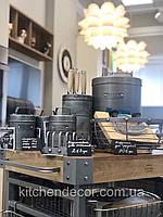 Сервировочный столик. Стол для сервировки и приготовления. Индустриальная кухня.  на колесах