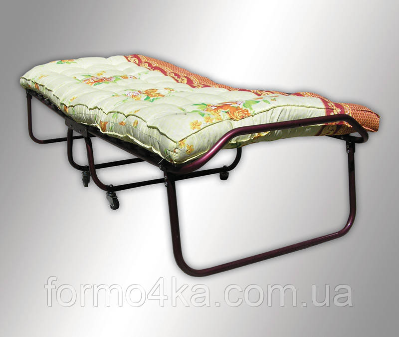 Раскладная кровать с ватным матрасом на колесах