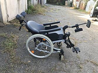 Многофункциональная инвалидная коляска известного производителя Invacare REA Clematis 45.5 см