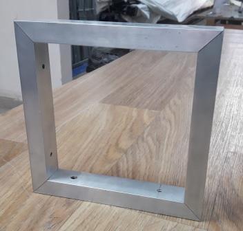 Алюминиевая рамка из квадратной или прямоугольной трубы, крепление под 45 град
