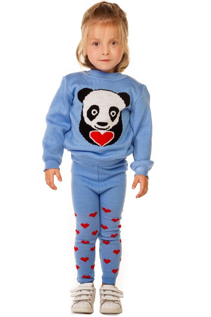 Вязаный костюм с пандой и сердечками на девочку 1-3 года