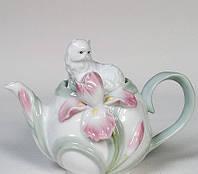 """Фарфоровый заварочный чайник """"Котенок с ирисом"""" (Pavone)"""