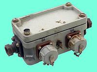 КЗМ-1Р Коробка запараллеливания микрофонов и микротелефонных гарнитур