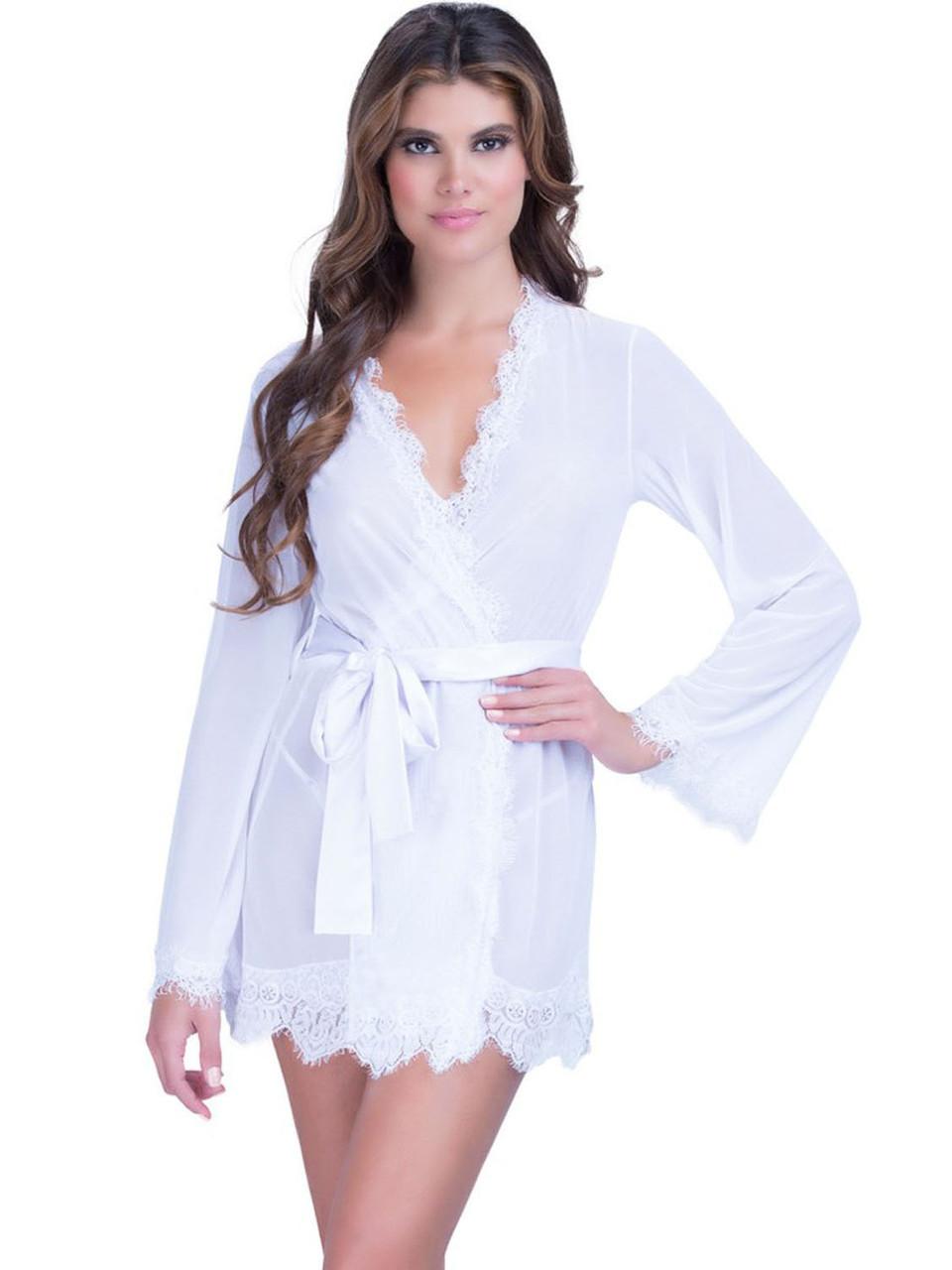 Сексуальный белый халат