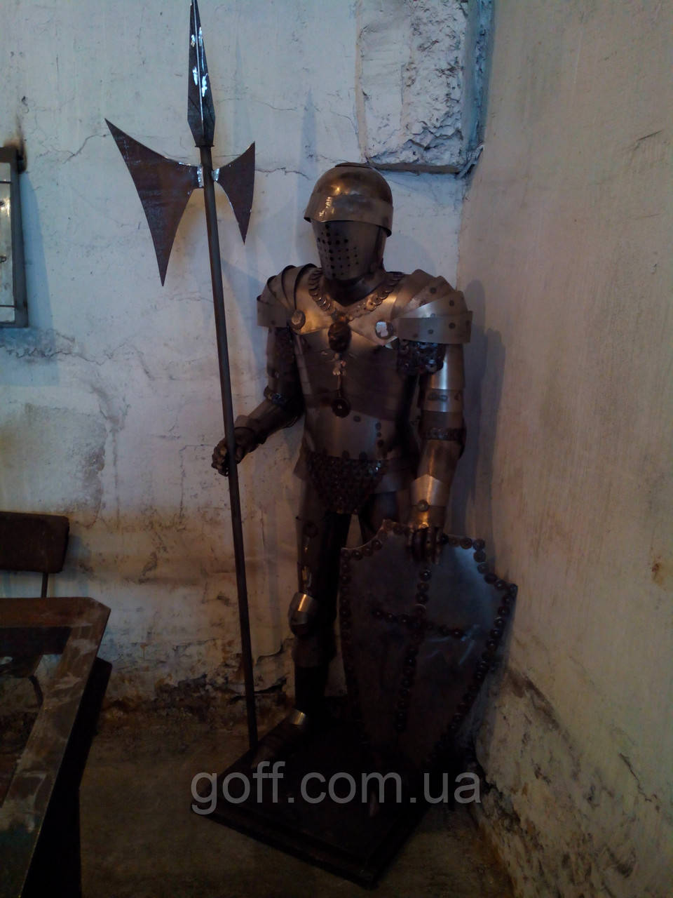Рыцарь металлический для декора
