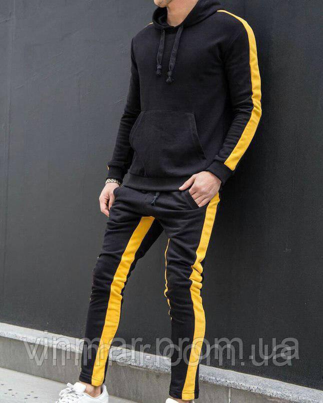 Мужской спортивный костюм с лампасами