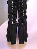 Замшеві ботфорти на стійкому високому каблуці чорного кольору блискавка до верху і прикрашені шнурівкою Код 1956, фото 2