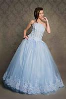 Пышное бальное платье с вышивкой
