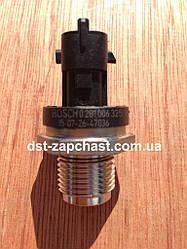 Датчик давления топлива для двигателя QSC8.3, ISL8.9, QSL9 87347273/87727942/3974092