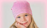 Нежная шапочка, украшенная стразами, фото 1