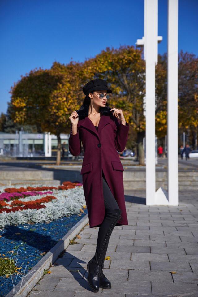 Элегантное женское демисезонное пальто бордового цвета 42-44 р