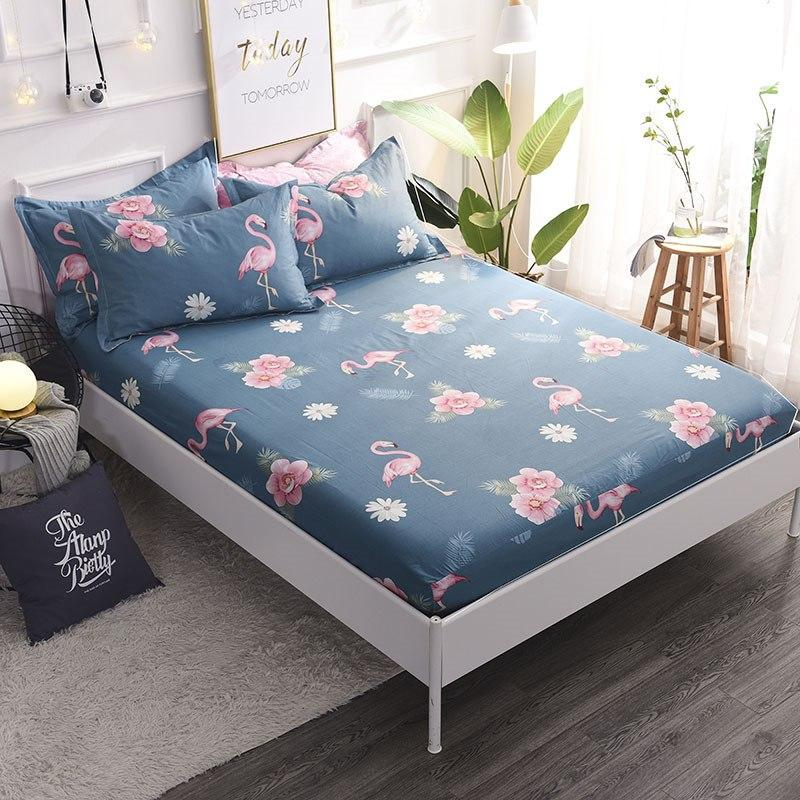 Хлопковая синяя простынь на резинке Фламинго и цветы 150x200+25 см