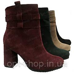 Женские зимние ботинки ботильоны на толстом каблуке бордовые замшевые