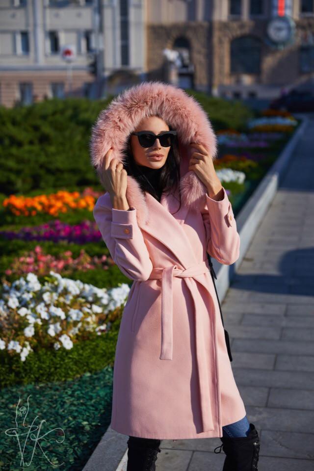 Демисезонное женское пальто персикового цвета с капюшоном универсального размера 42-46