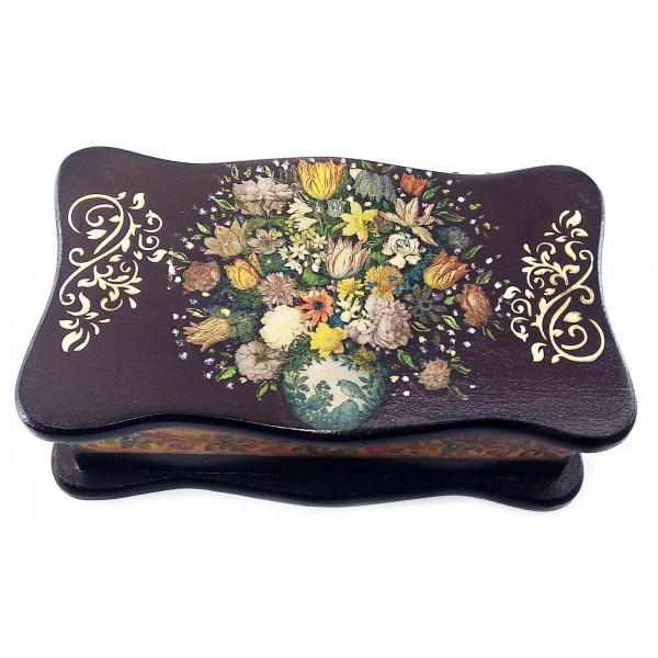 Шкатулка из дерева с фигурной крышкой Цветы