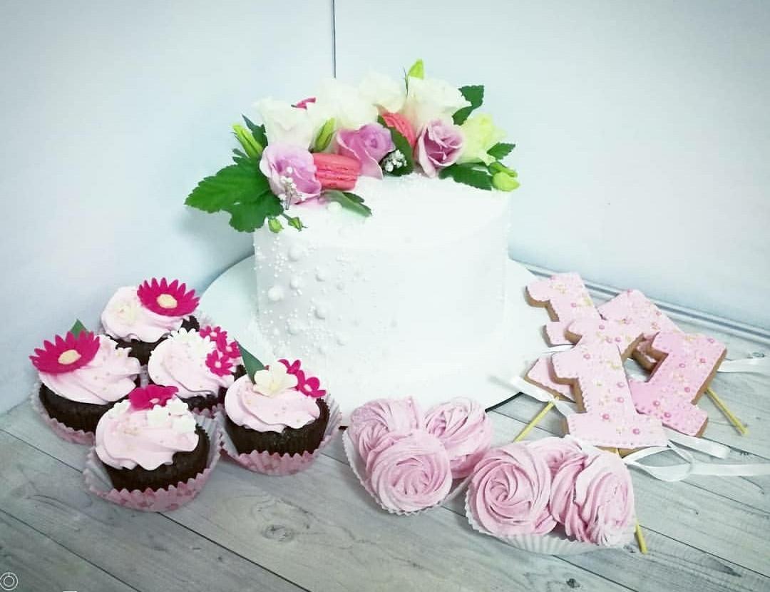 Торт на годик девочке 4